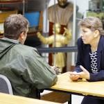 Игорь Скандаков и Елена Нидергвель беседуют на актуальные темы